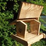Vogelfutterhäuschen (34x30cm)